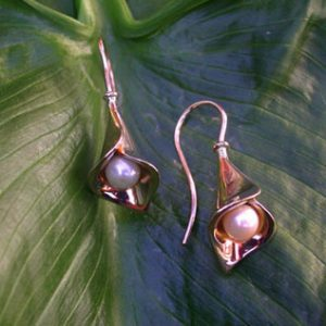 Calla Lilly Gold Earrings